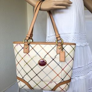 Coach leather branded purse off white with stripes